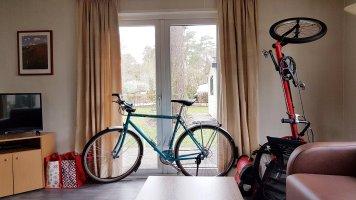Mijn fietsen netjes binnen in het chalet dat ik gehuurd heb :)