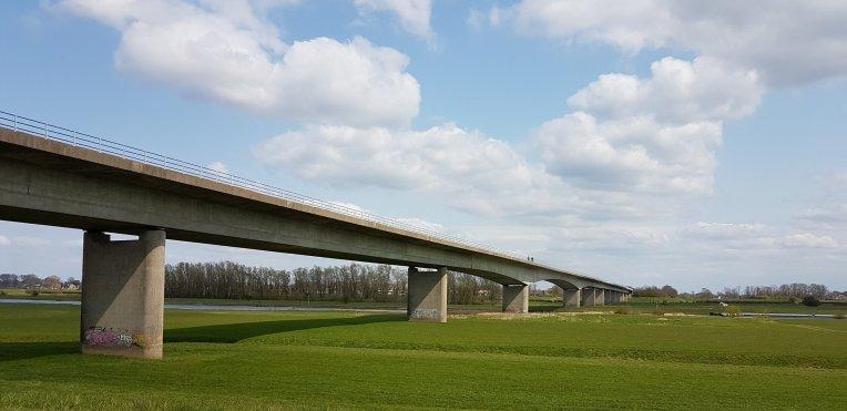 De Cortenoeversebrug over de IJssel bij Zutphen