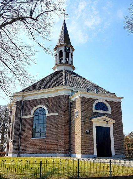 Schattig klein kerkje in Veessen. Sowieso wel een pittoresk plaatsje